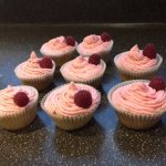 5 reasons to make cupcakes and a recipe for Raspberry and lemon cupcakes